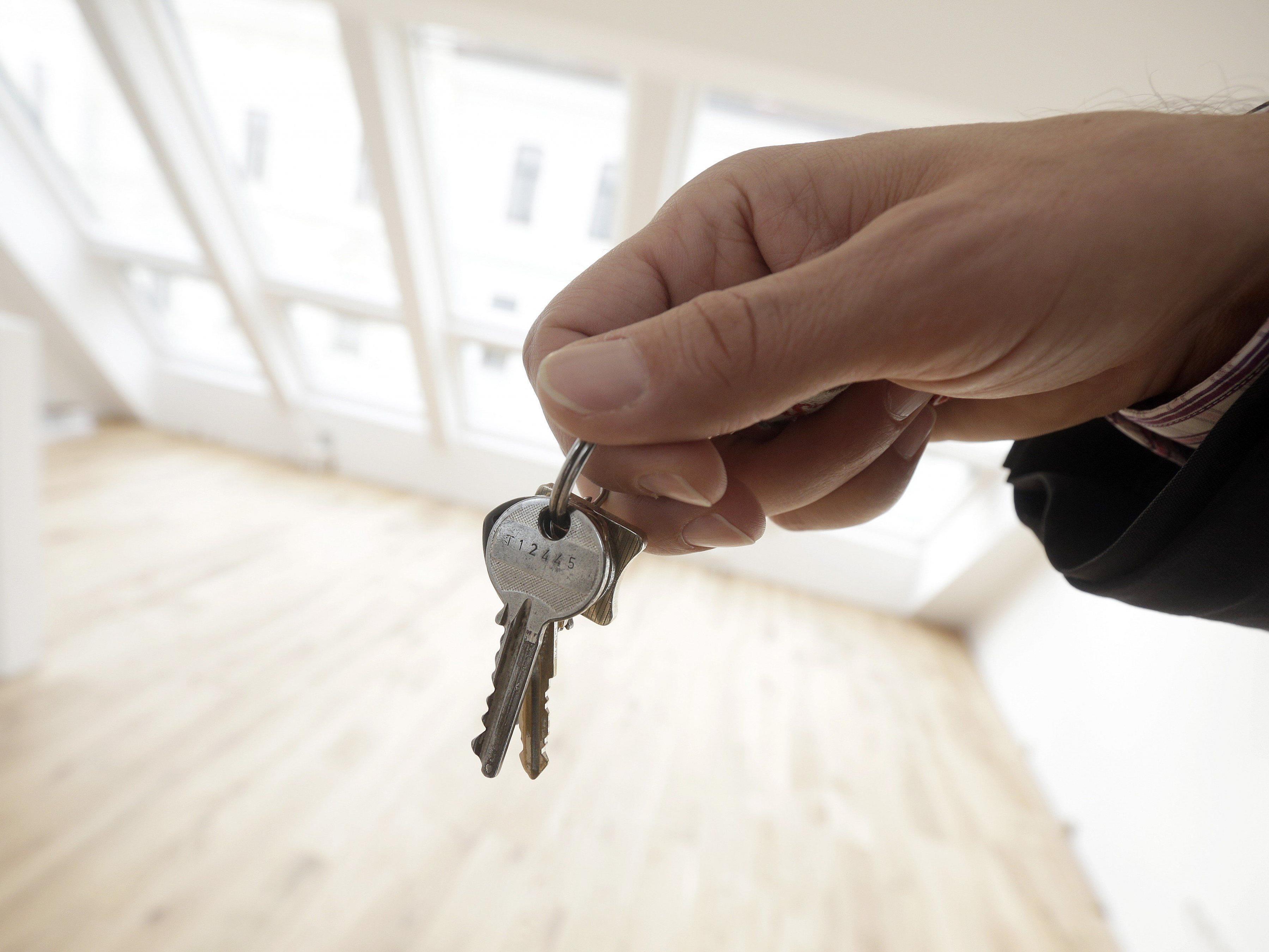 Leere Wohnungen: Experte hält Strafsteuer für kontraproduktiv, LH Wallner und FPÖ ebenfalls.