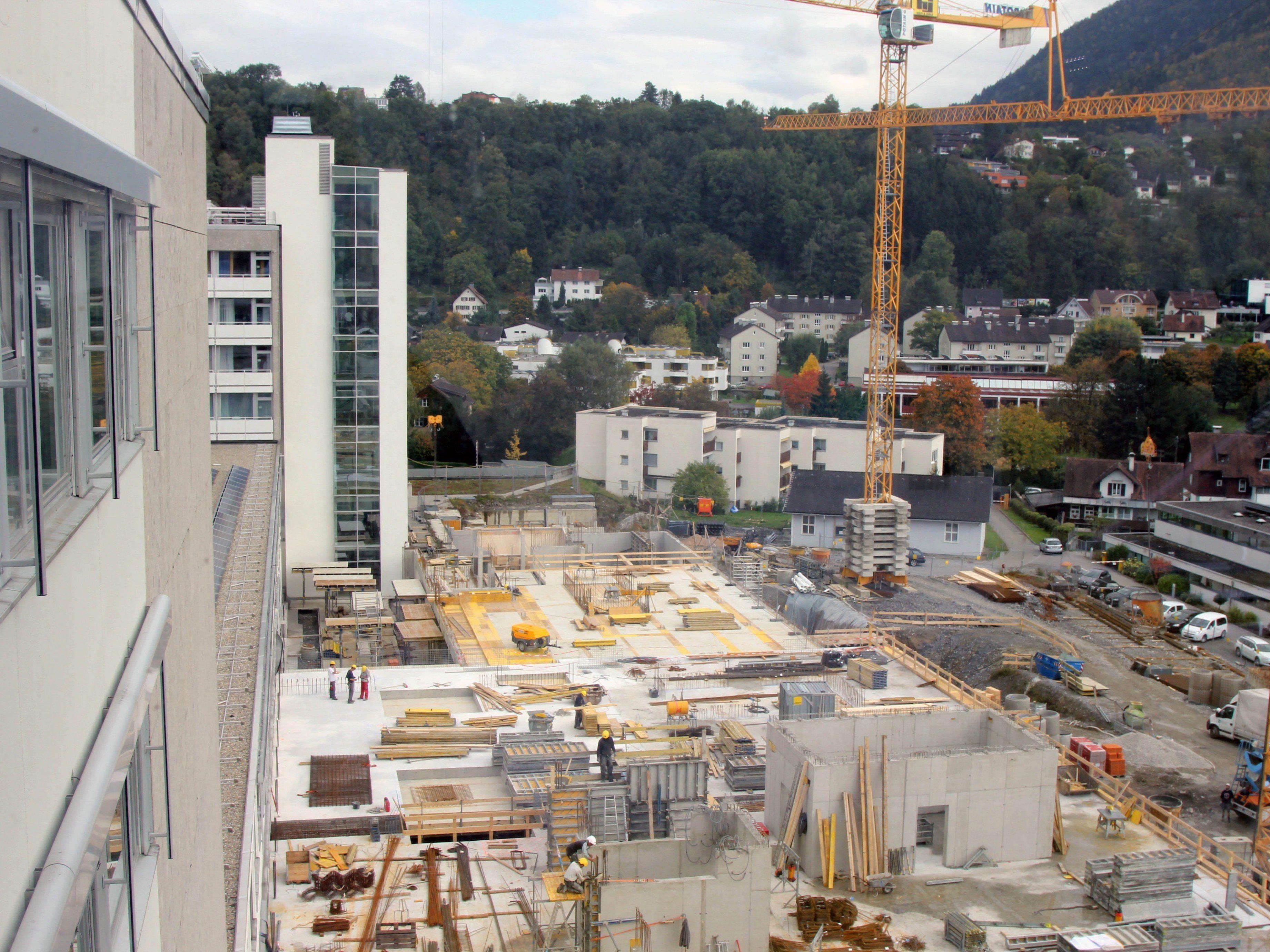 Die einzelnen Bauetappen beim Neubau am LKH liegen voll im Zeit- und Kostenplan.