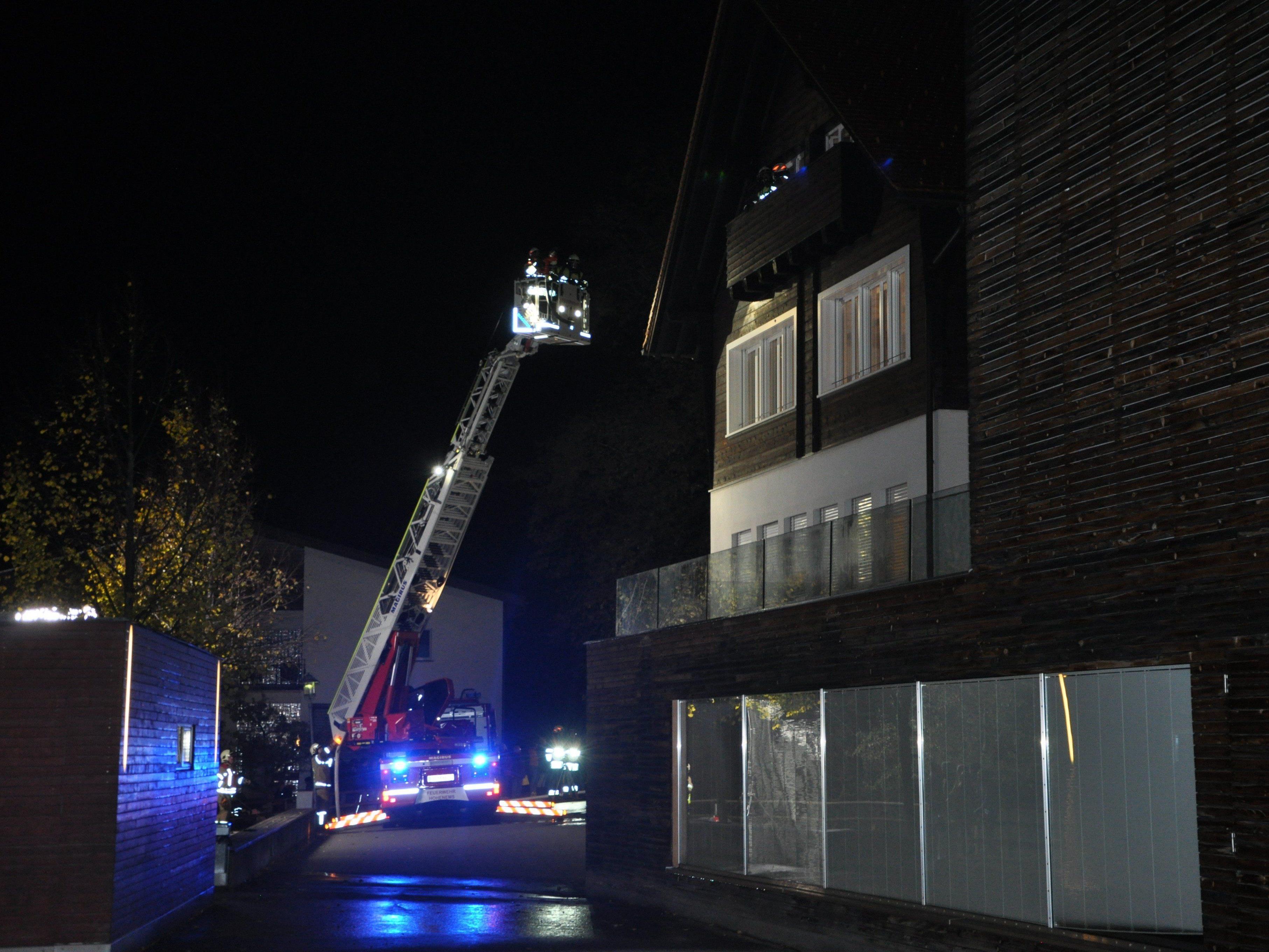 Die Vorderländer Feuerwehren stellten bei den Abschlussübungen ihre Schlagkraft unter Beweis.