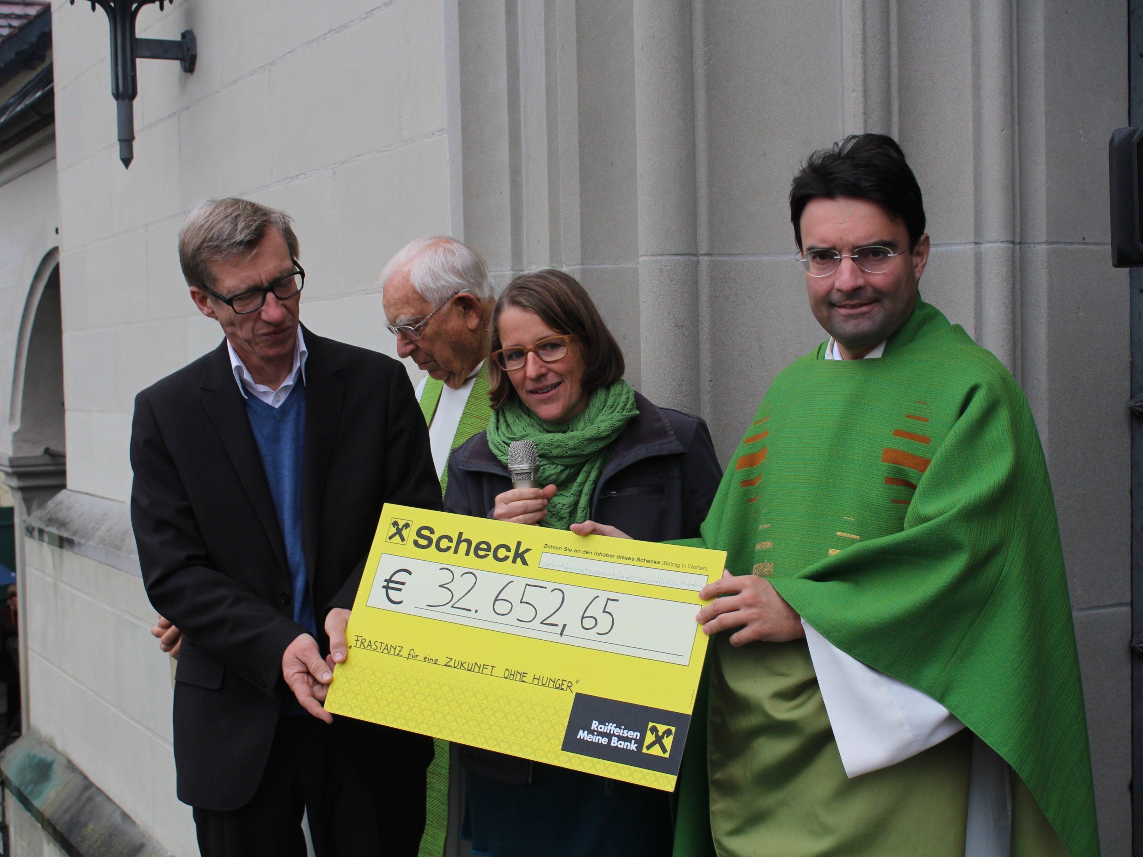 Feierliche Spendenübergabe an das Hungerprojekt der Caritas Vorarlberg