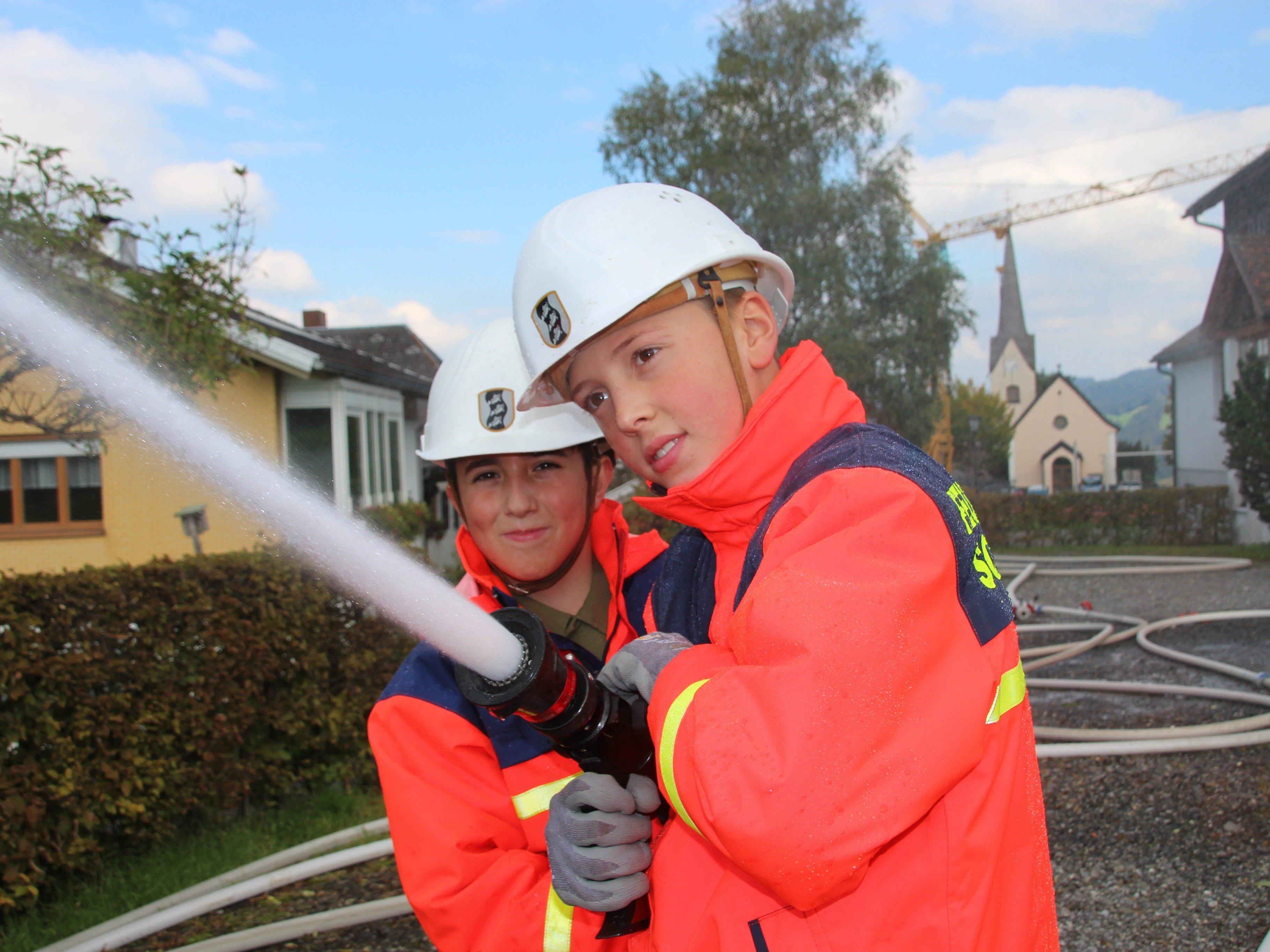 Kreisübung in Buch: Jugendliche Begeisterung für die Feuerwehr
