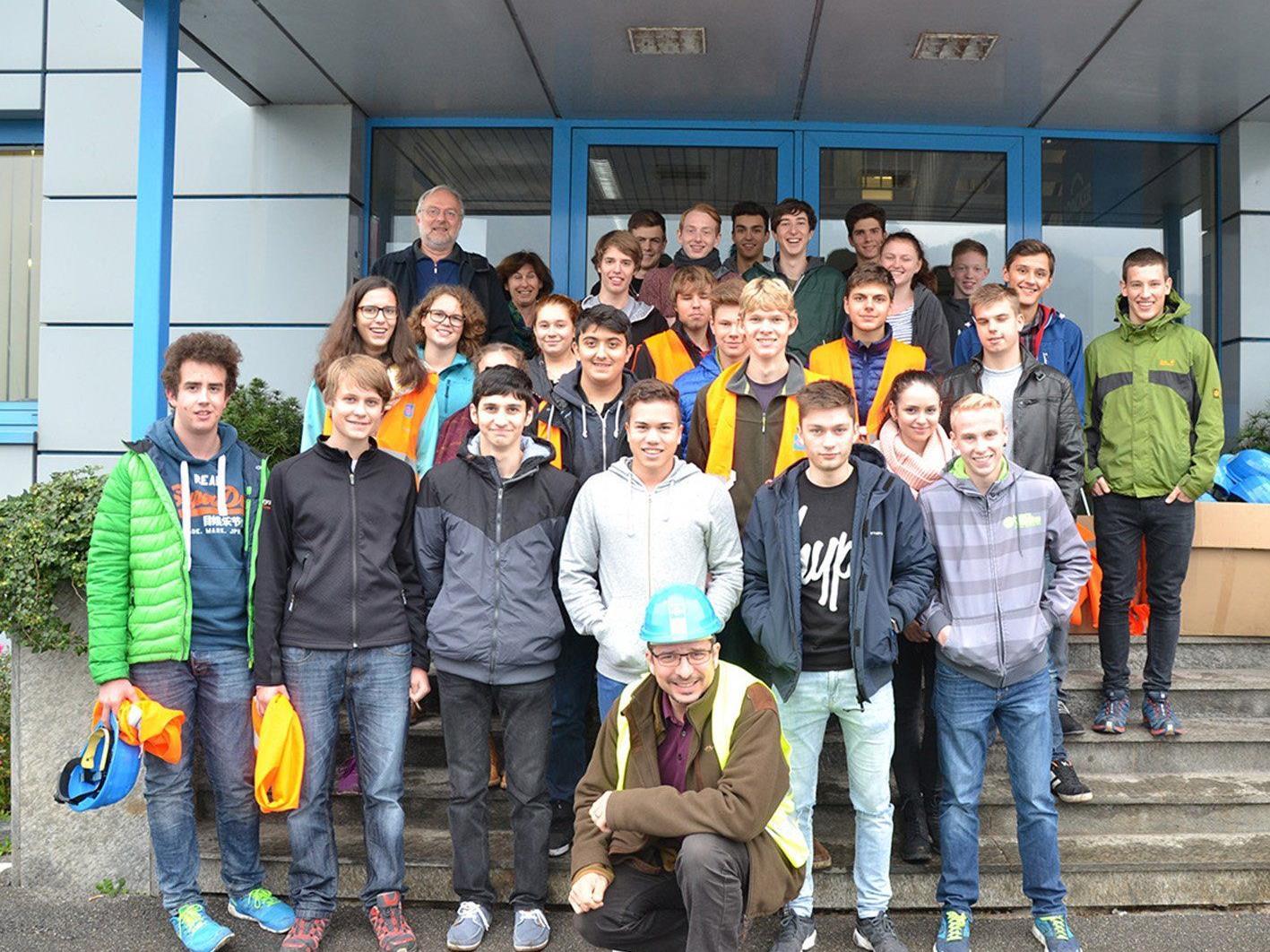 Die Schüler/innen der HTL Bregenz überzeugten sich von den Möglichkeiten moderner Wiederverwertung.