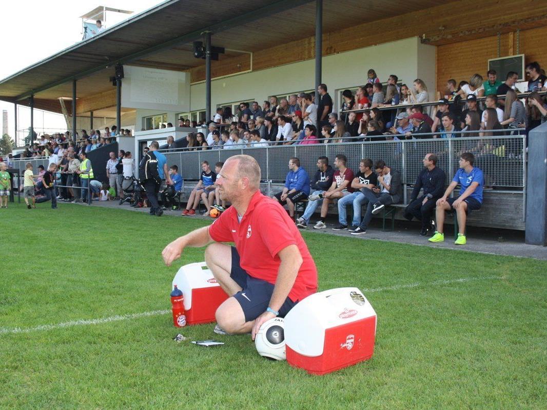 Auch beim Heimspiel gegen den SC Fußach wird die Tribüne auf der Sportanlage Hoferfeld wieder voll sein.