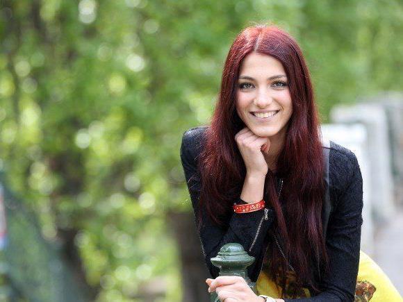 """Amina Dagi fährt für Österreich zur """"Miss Universe""""-Wahl."""