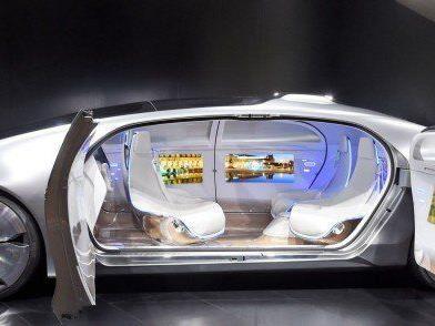 Mercedes Studio F 015 - Luxury in Motion.