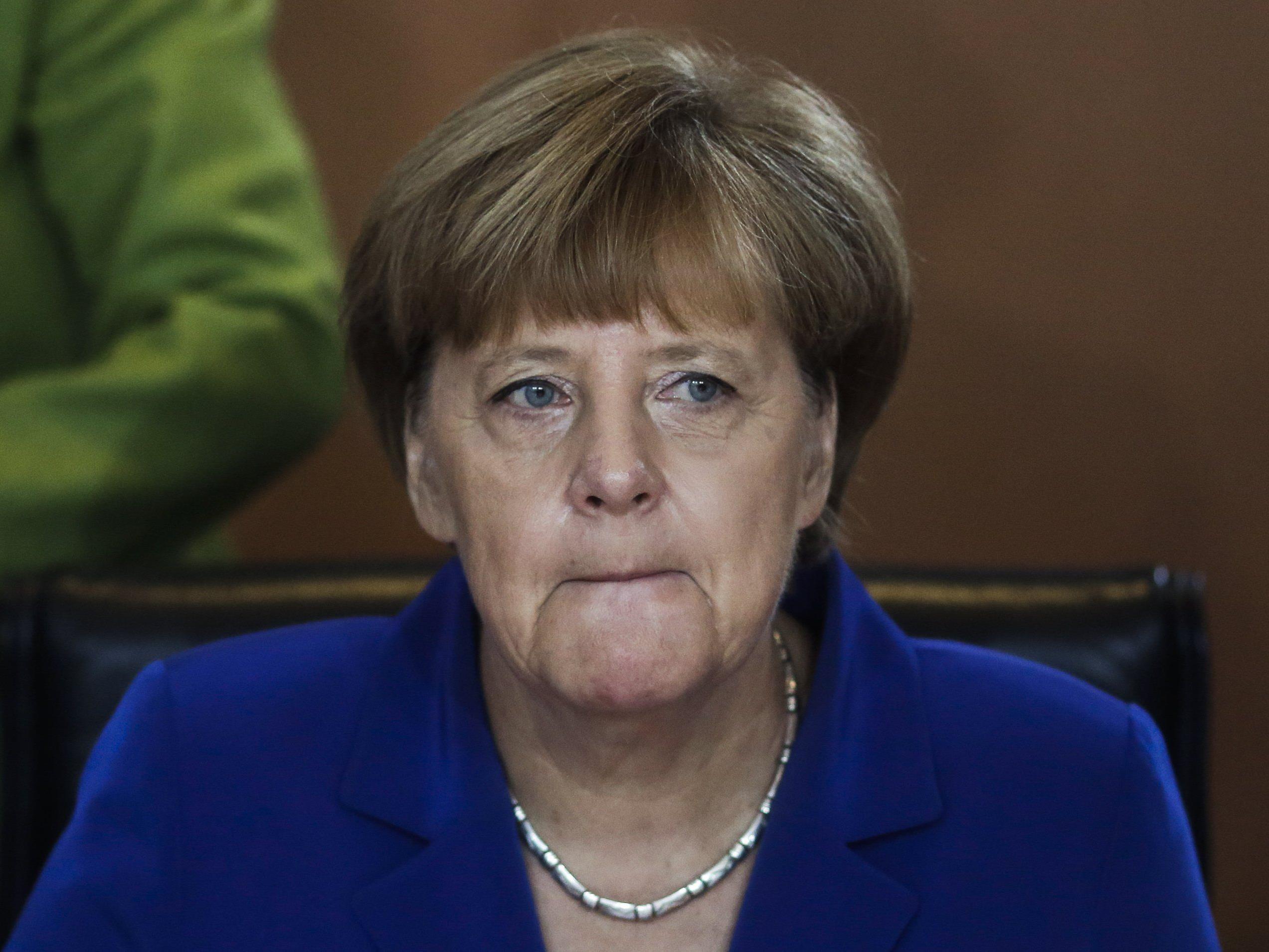 Merkel sieht sich mit innerparteilicher Kritik konfrontiert.