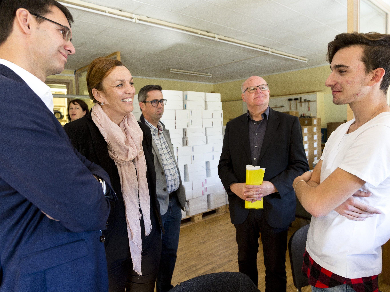 """LH informierte sich in Feldkirch über das Projekt """"Startbahn""""."""