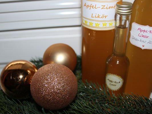 Wir verraten euch ein Rezept für selbstgemachten Apfel-Zimt Likör.