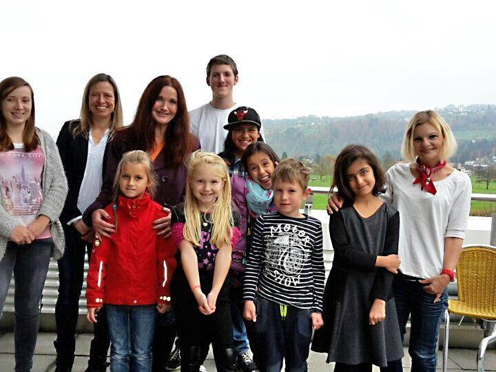 Die Volksschüler bei ihrem Besuch bei Russmedia in Schwarzach.