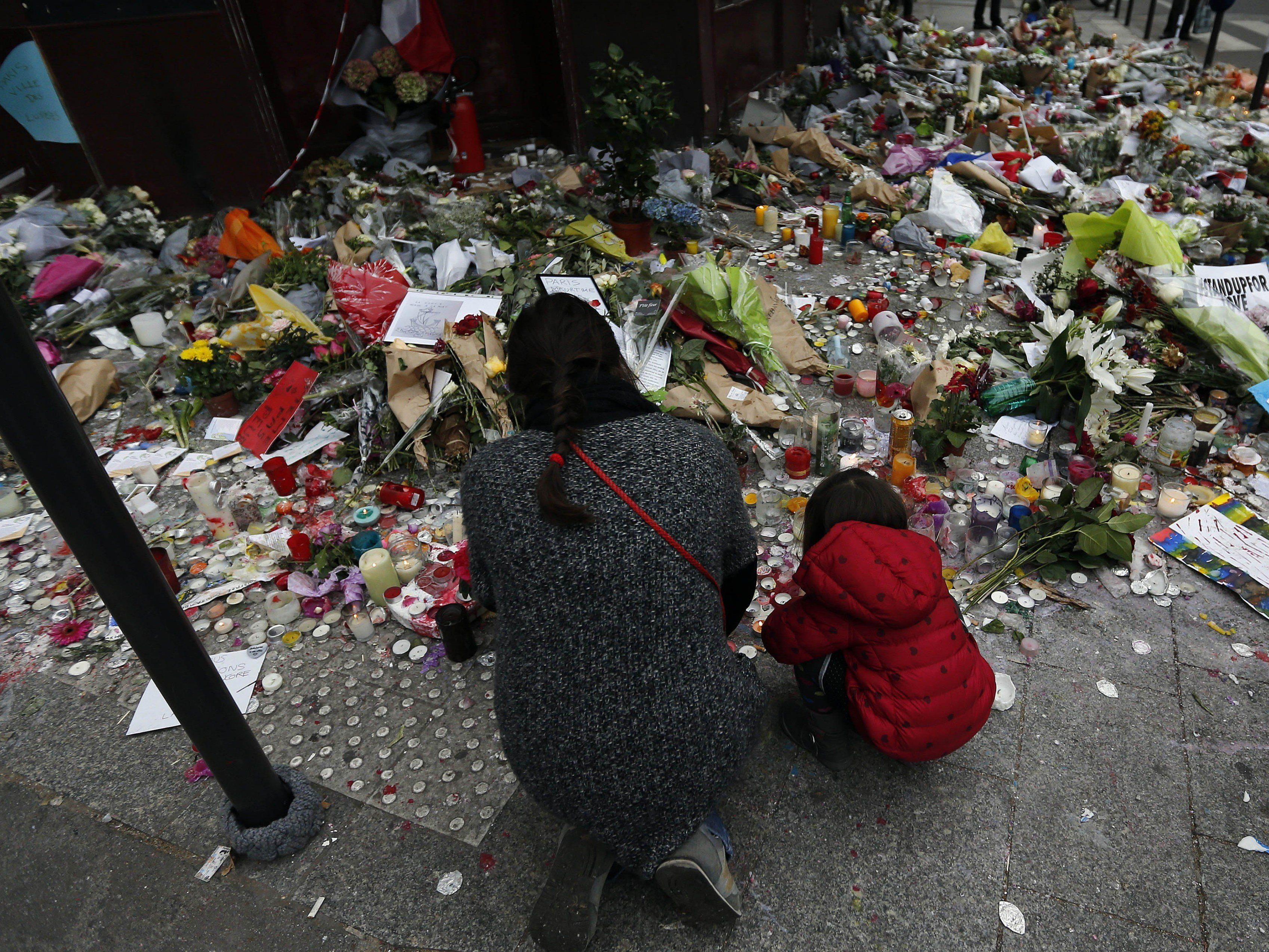 Die Entwicklungen nach den Terroranschlägen in Paris im VIENNA.at-Liveticker