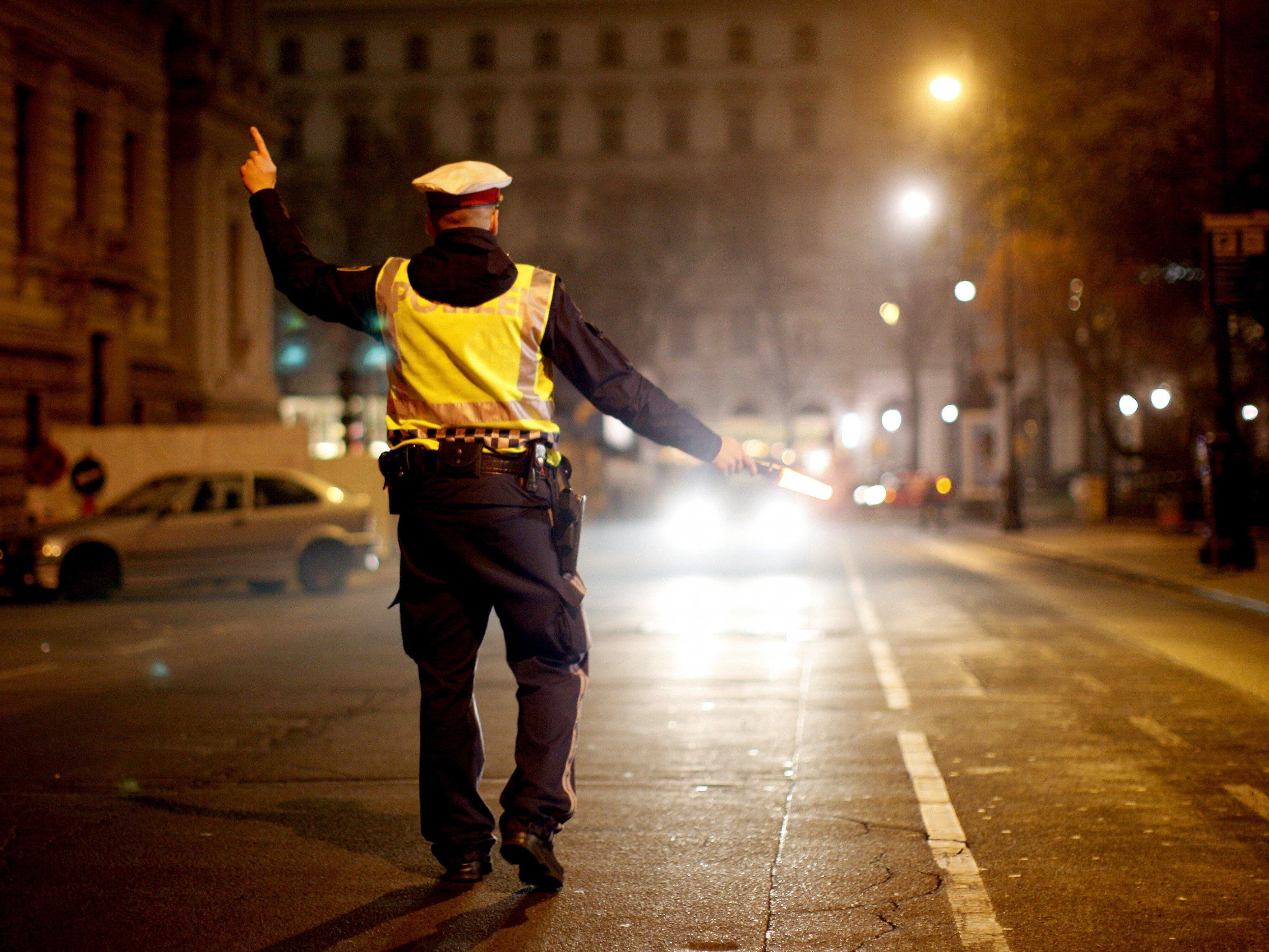 Die Polizei konnte den Moped-Raser schließlich doch festnehmen.