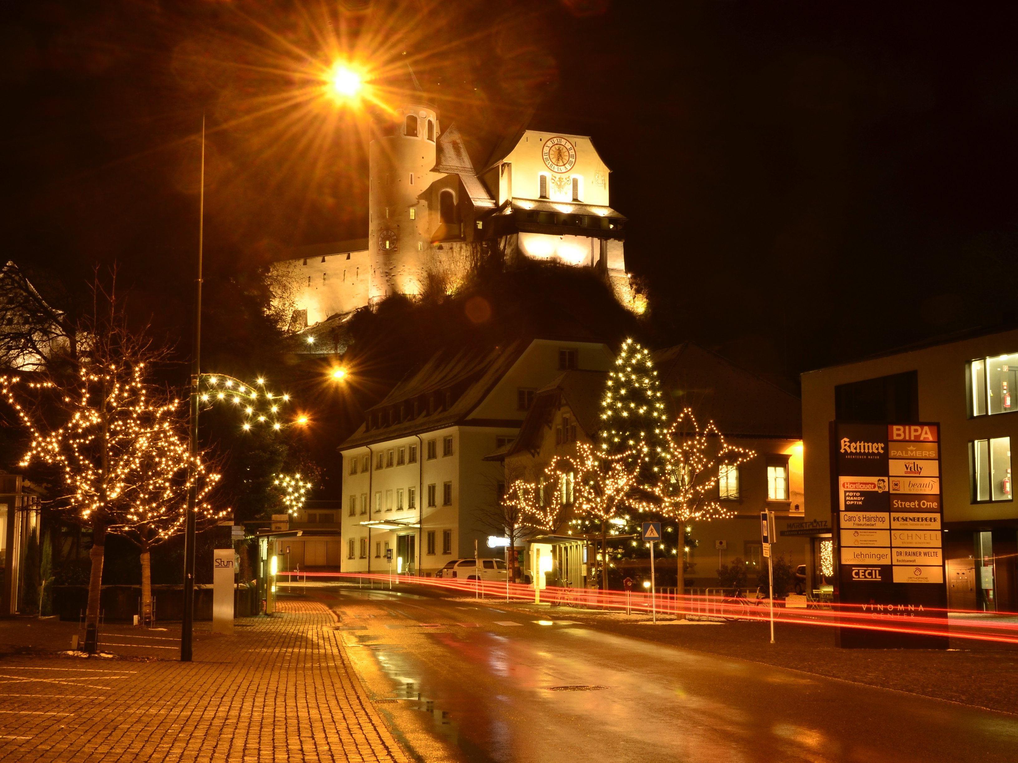 Seit dem vergangenen Freitag sorgt die Weihnachstbeleuchtung in Rankweil für festliche Stimmung