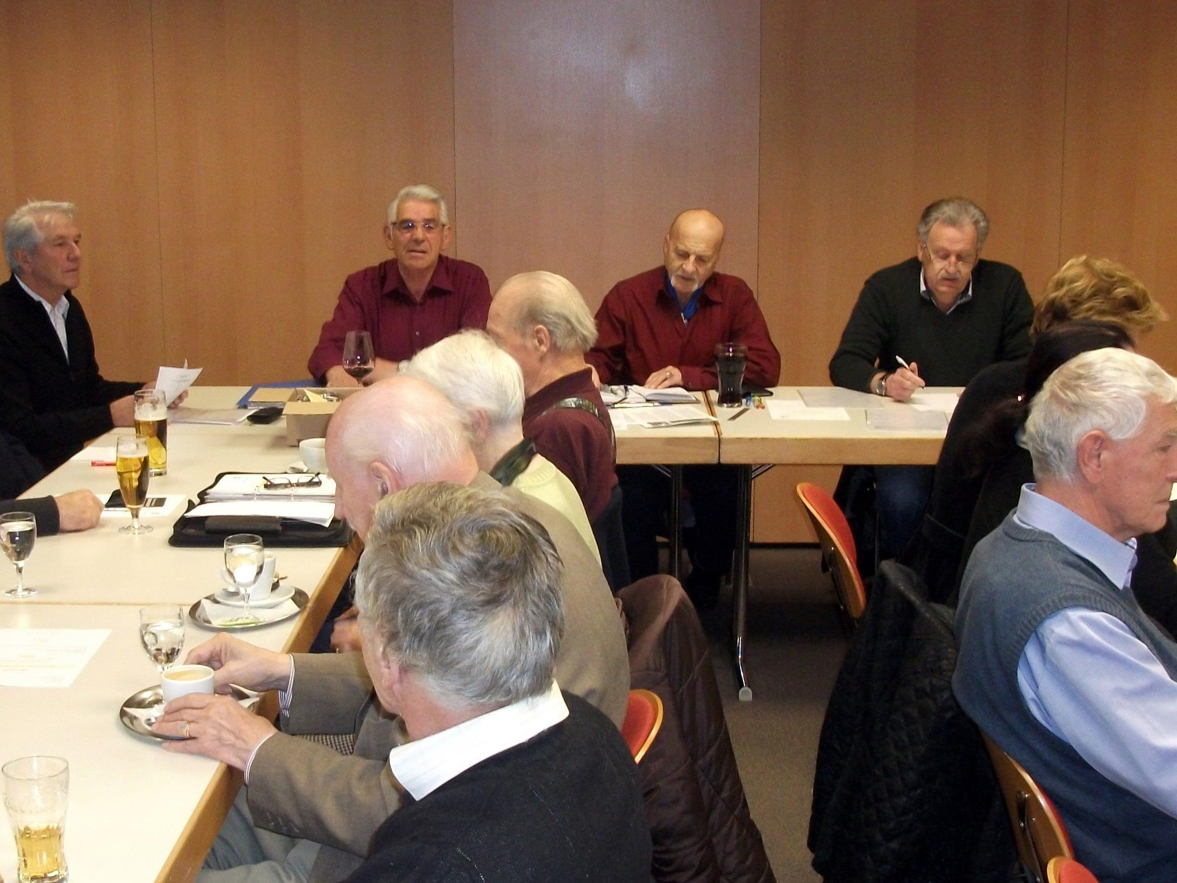 Vorstand:  W. König, E. Neubacher, K.Grossmann