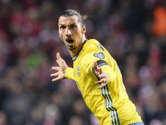 Zlatan Ibrahimović schoss drei der vier Schweden-Tore gegen Dänemark.