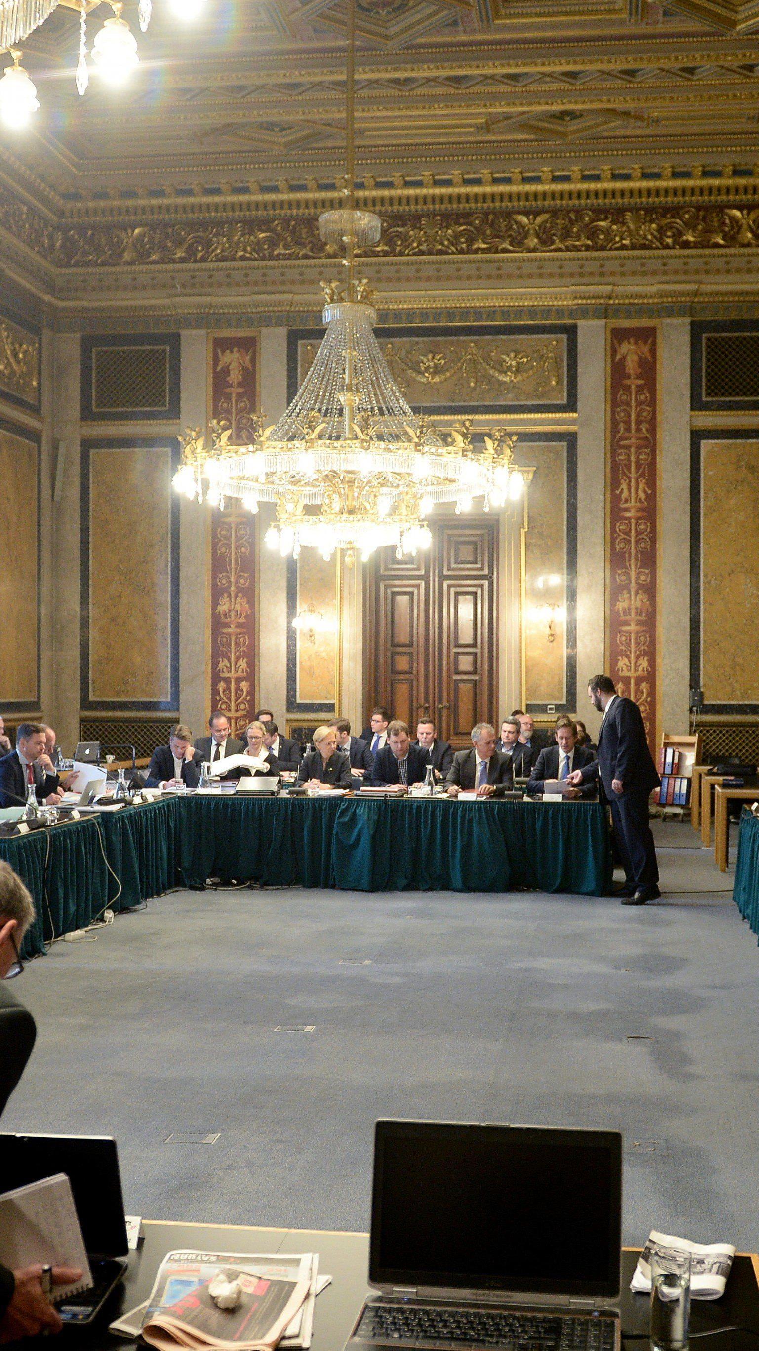 Die Parlamentarier untersuchen derzeit die Jahre 2008 und 2009 in der Skandalbank