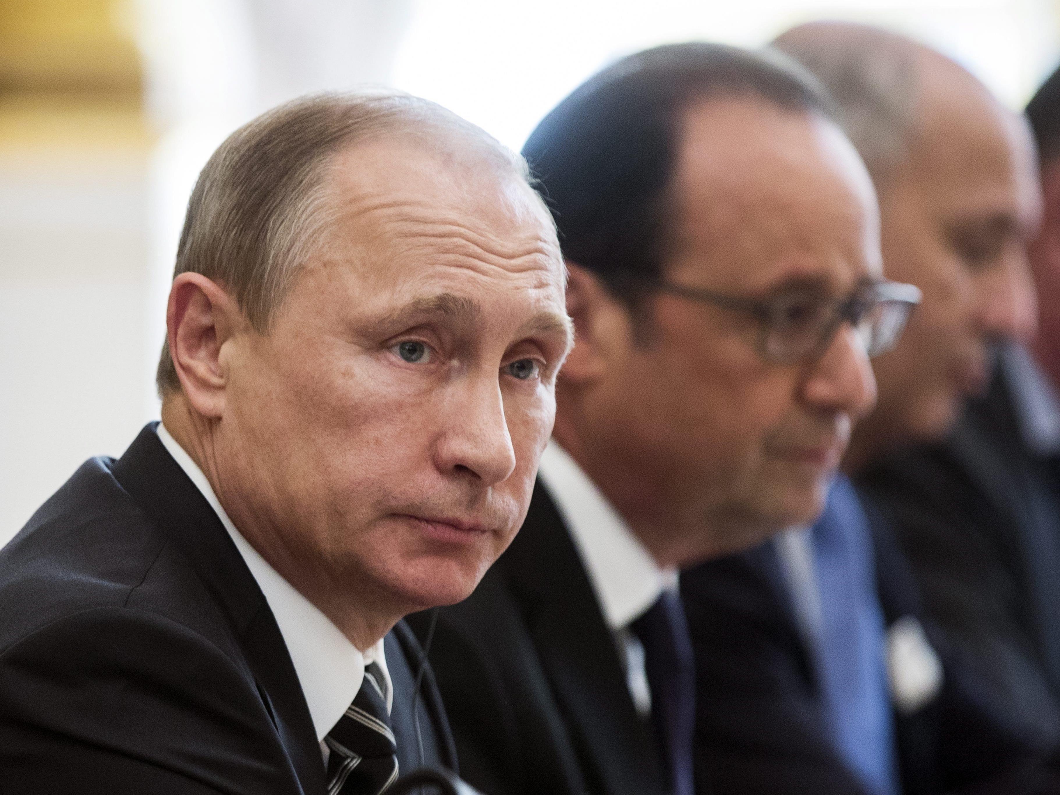 Frankreich und Russland schmieden Allianz im Kampf gegen Islamisten.