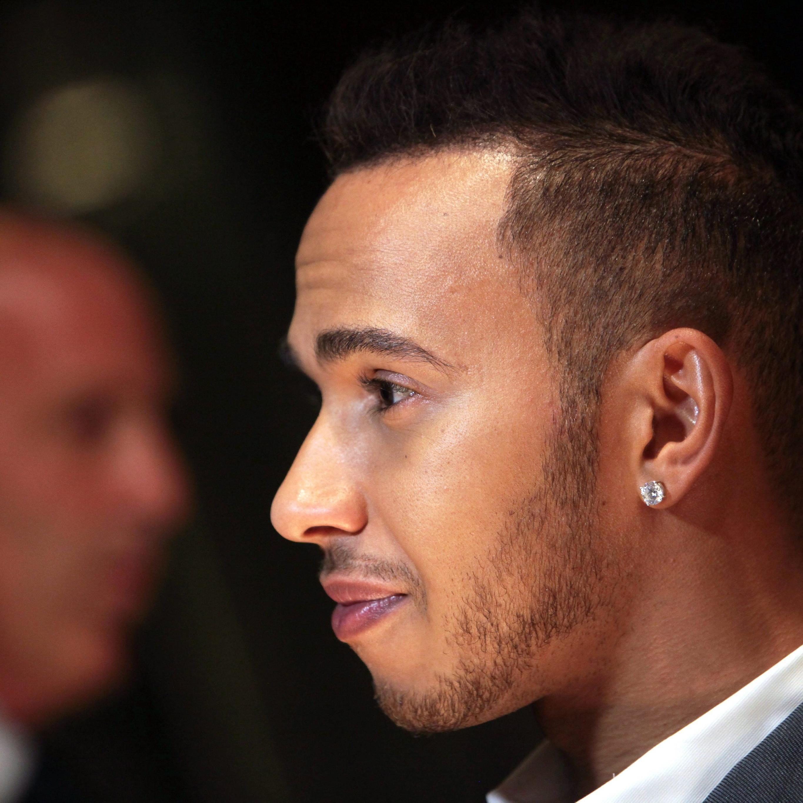 Weltmeister Hamilton nahm via Instagram auch zu seinem Verkehrsunfall Stellung.