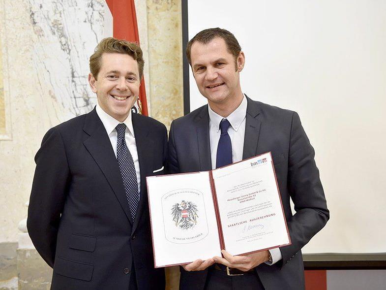 """Meusburger ist """"Staatlich ausgezeichneter Lehrbetrieb"""" und Staatspreisträger """"Bester Lehrbetrieb""""."""