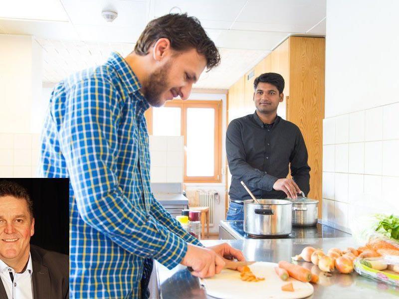 Beim Willkommensfest werden Flüchtlinge Speisen aus ihren Ländern zubereiten. Kl. Bild: Bgm. Natter