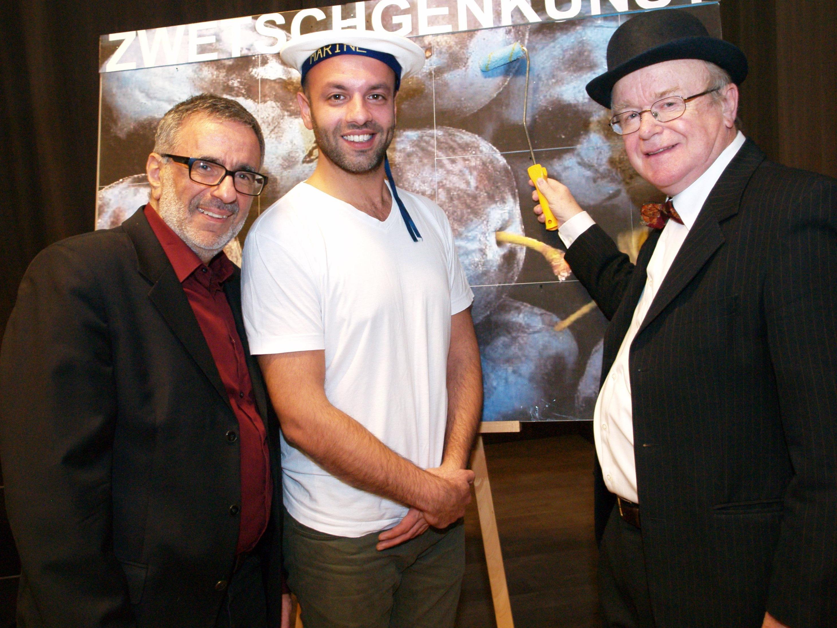 Projektleiter Wafa Reyhani mit den Akteuren Sina Samieian und Mario Plaz.