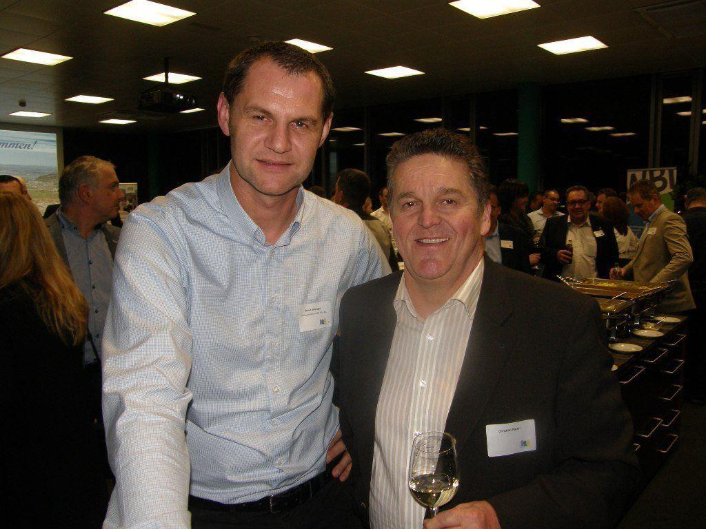 Roman Giesinger (li.) konnte auch BM Christian Natter in der Firma Meusburger begrüßen.