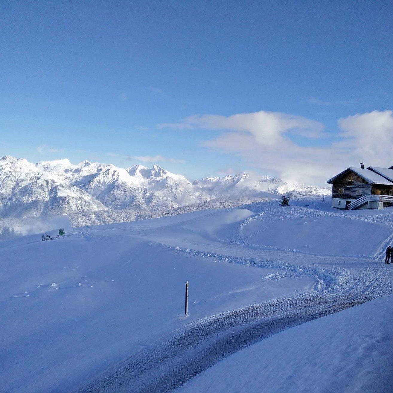 Blick auf die heutige Schneekontrolle: Schon ab dem vorgezogenen Saisonstart herrschen auf der Hochjoch-Seite der Silvretta Montafon ausgezeichnete Pistenbedingungen.