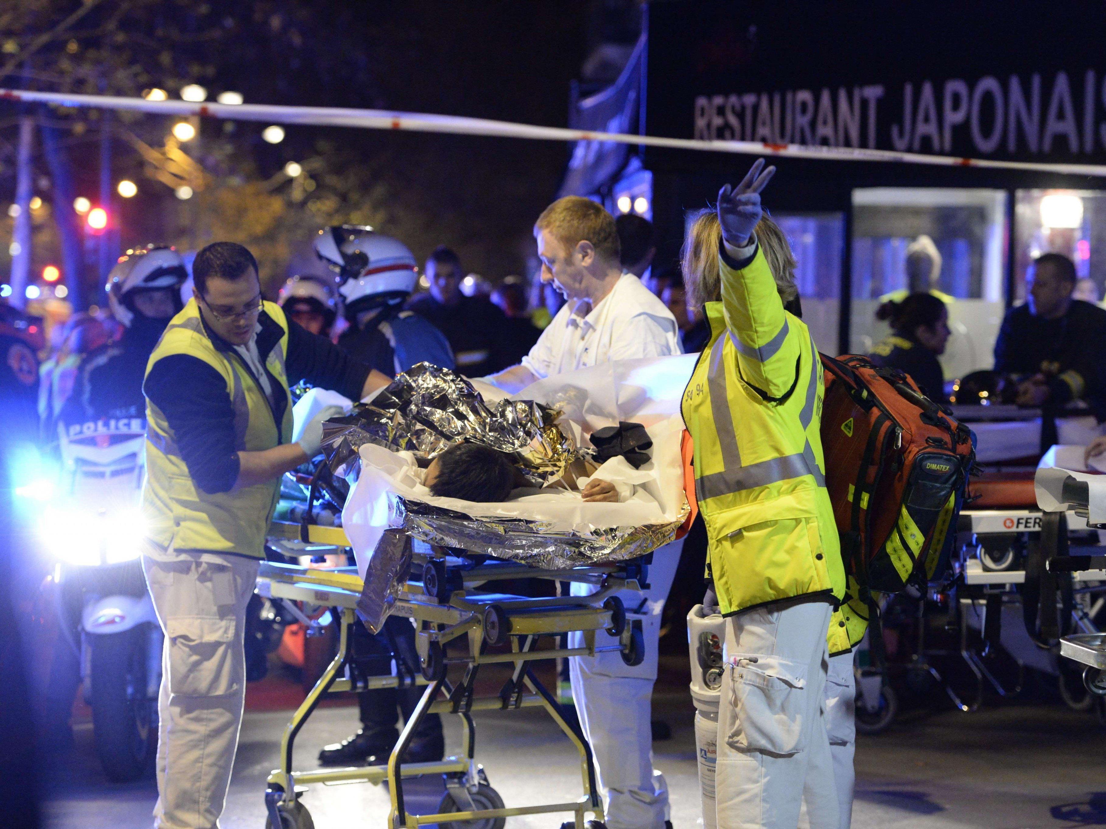 LIVE_ Terroranschläge in Paris schocken die ganze Welt.