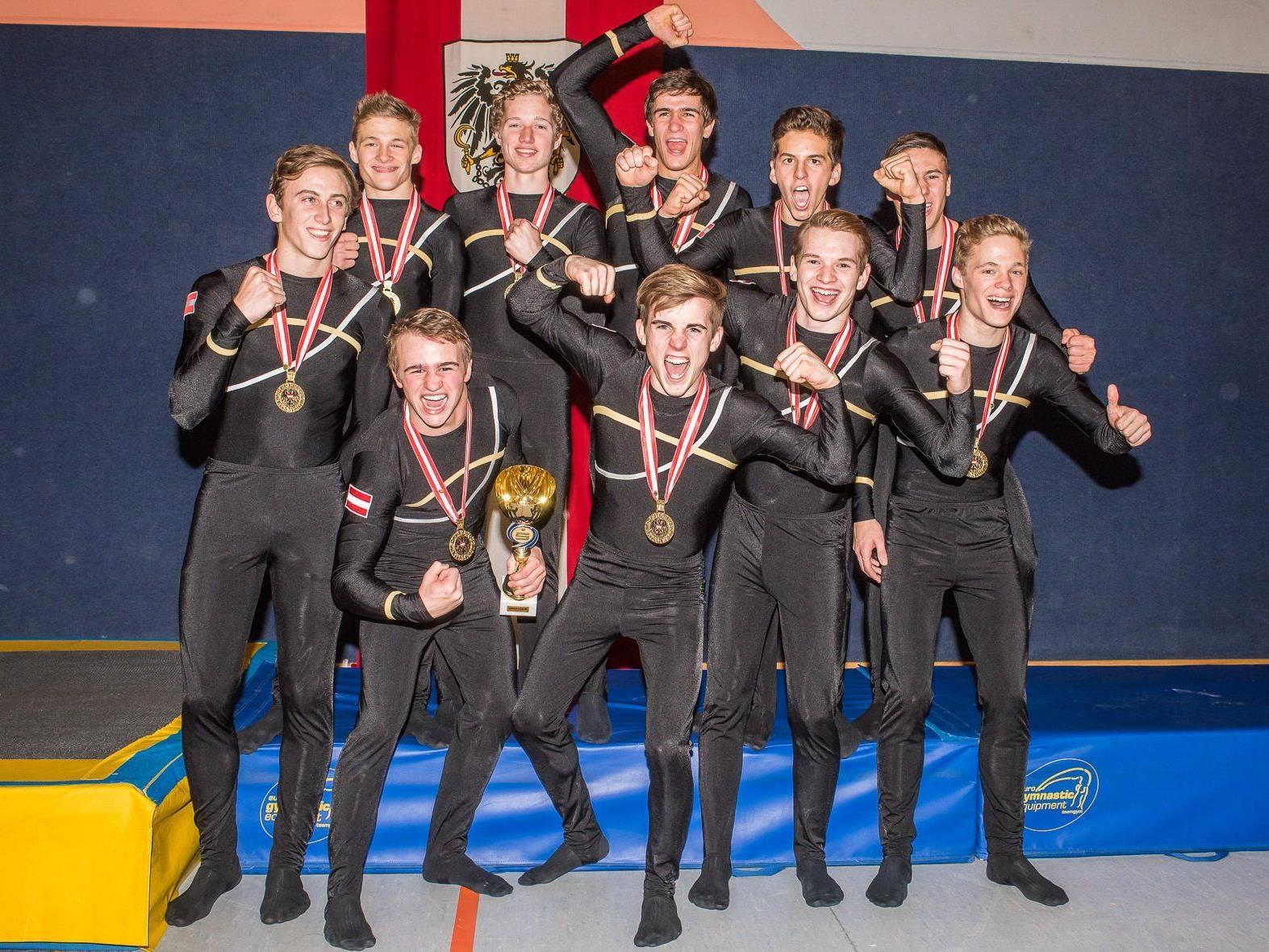 Die Herren der TS Wolfurt freuten sich über ihren zweiten Staatsmeistertitel im Team-Turnen.