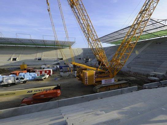 Bei der Gleichenfeier im neuen Allianz-Stadion von Rapid