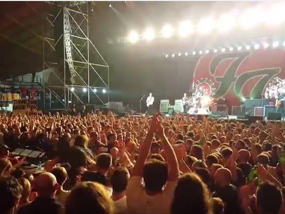 Auftritt der US-Band in der italienischen Stadt nach Video mit 1000 Musikern