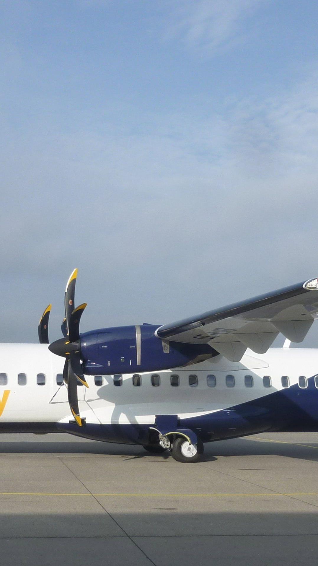 Während InterSky am Boden liegt, sucht der Flughafen Friedrichshafen nach Ersatz.