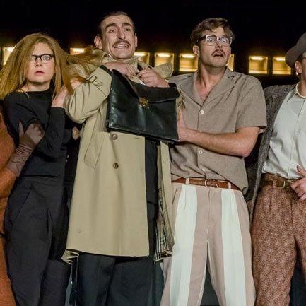 Ionesco-Inszenierung am Vorarlberger Landestheater nimmt belanglose Gespräche aufs Korn.