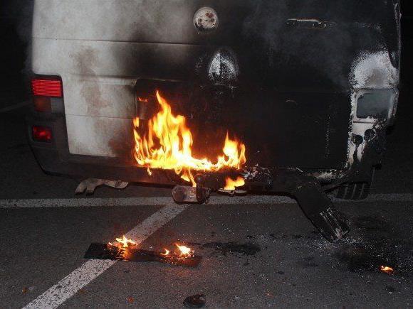 Angeklagter zündete am 14. Dezember in Lustenau ein Auto und ein Zelt an.