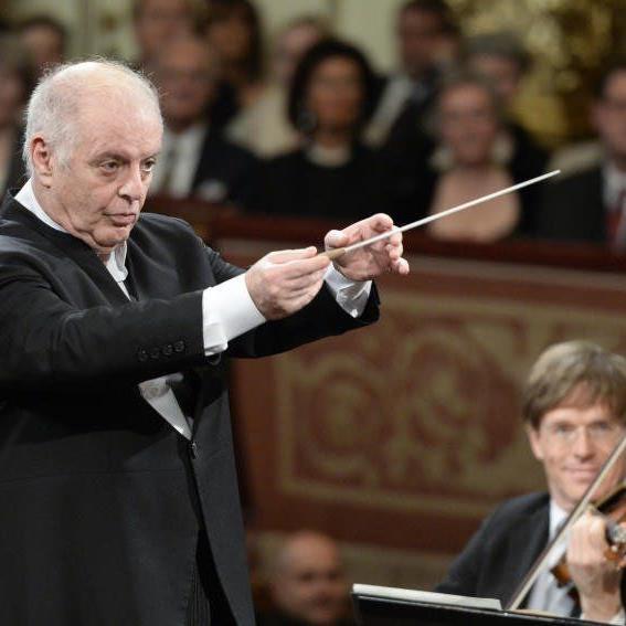 Daniel Barenboim dirigierte das Konzert.