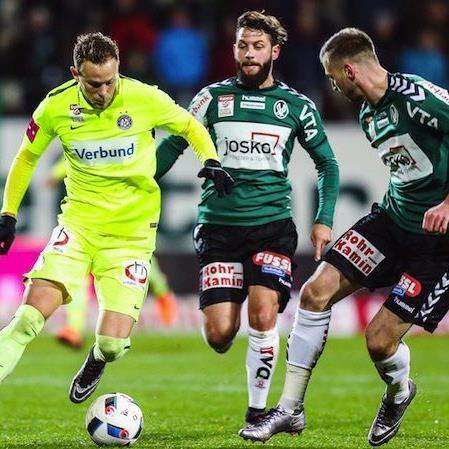 v.l. Marco Meilinger (FK Austria Wien), Oliver Kragl (SV Josko Ried), Petar Filipovic (SV Josko Ried) am Sonntag beim Spiel