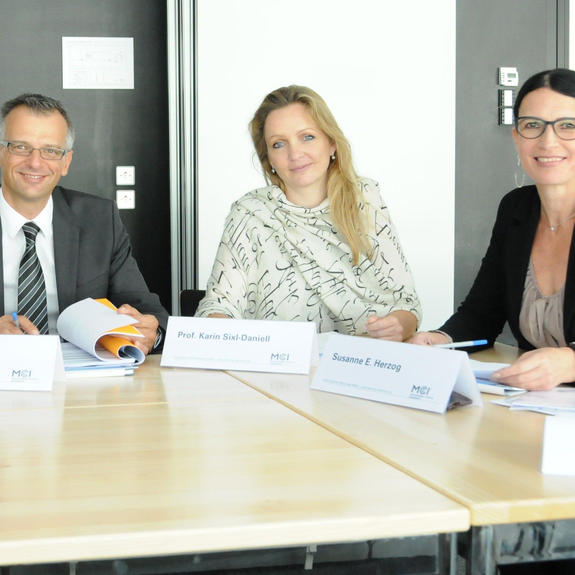 Die Jury am Management Center Innsbruck (MCI).