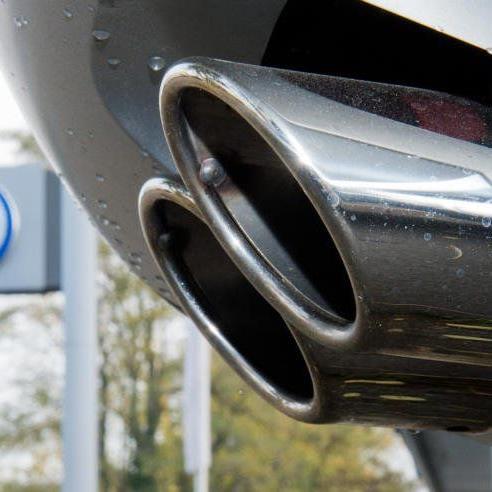 Hunderttausende VW-Autos könnten mehr CO2 ausgestoßen und damit mehr Sprit verbraucht haben als vom Hersteller angegeben