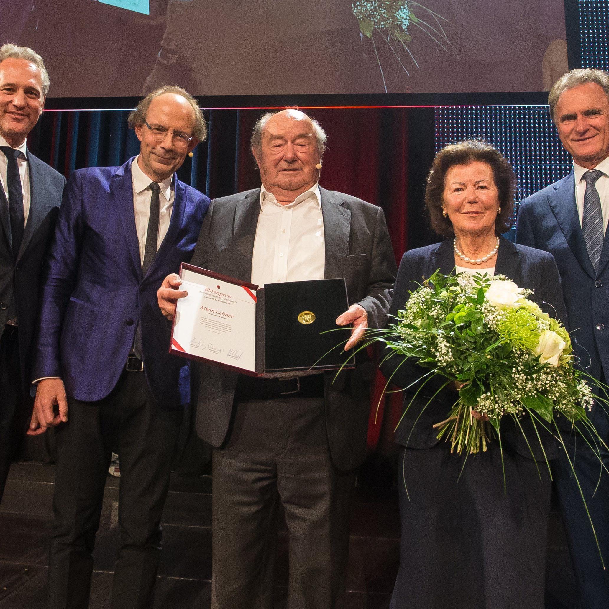 Aus der Waschküche zum Weltkonzern - Vorarlberger Wirtschaftspreis für Kunststoff-Pionier.