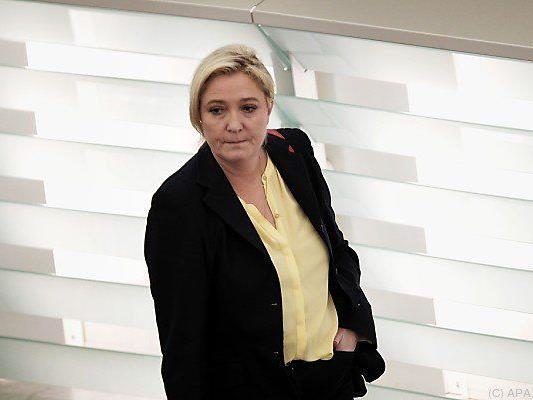Le Pen zeigte blutige Fotos