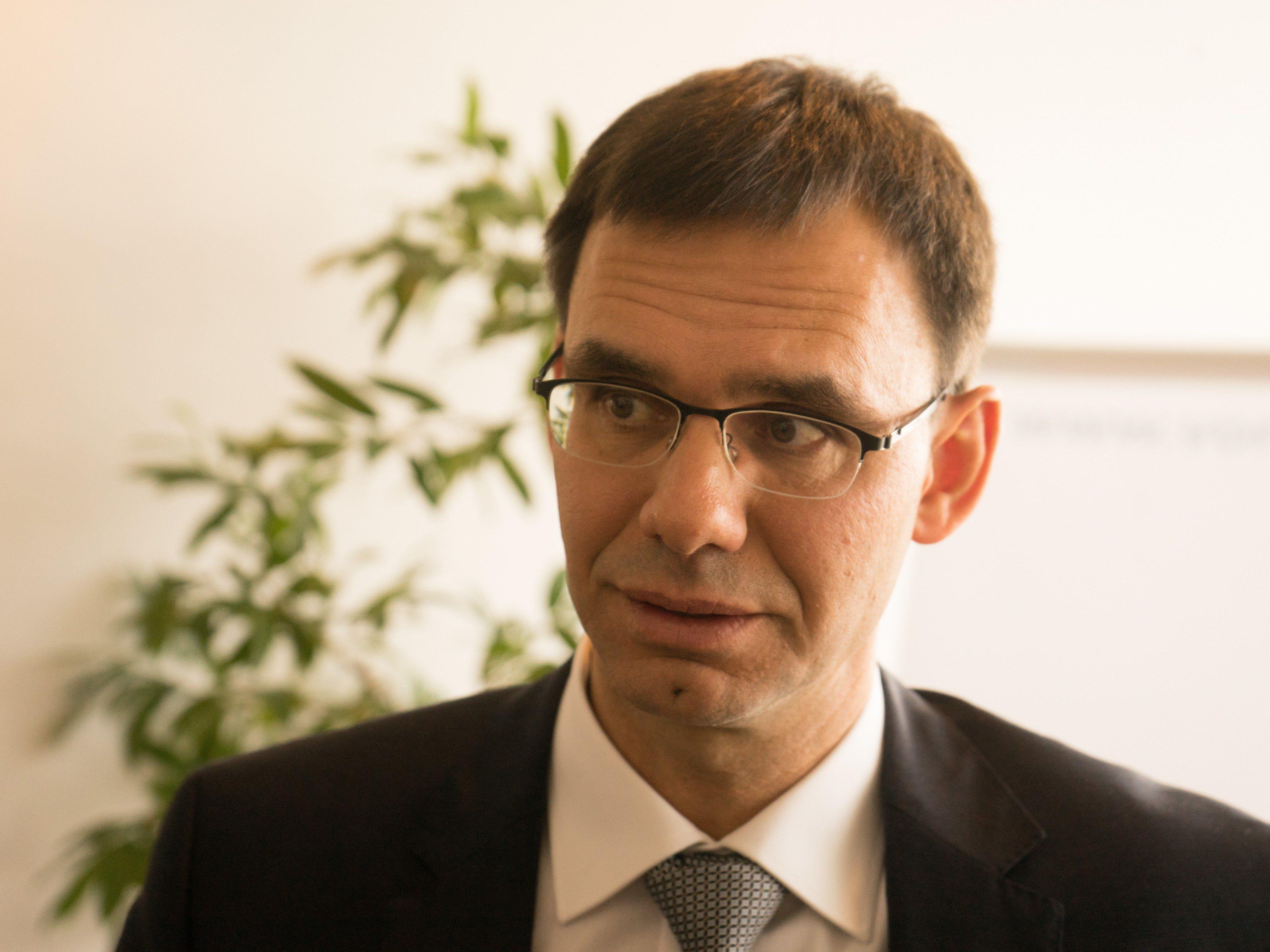 Für LH Markus Wallner ist die Weiterbildung ein wesentlicher Pfeiler in der Arbeitsmarktpolitik.
