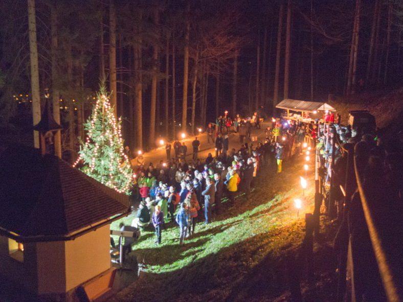 Fast 300 Messbesucher fanden heuer den Weg zur Waldweihnacht auf Ganeu