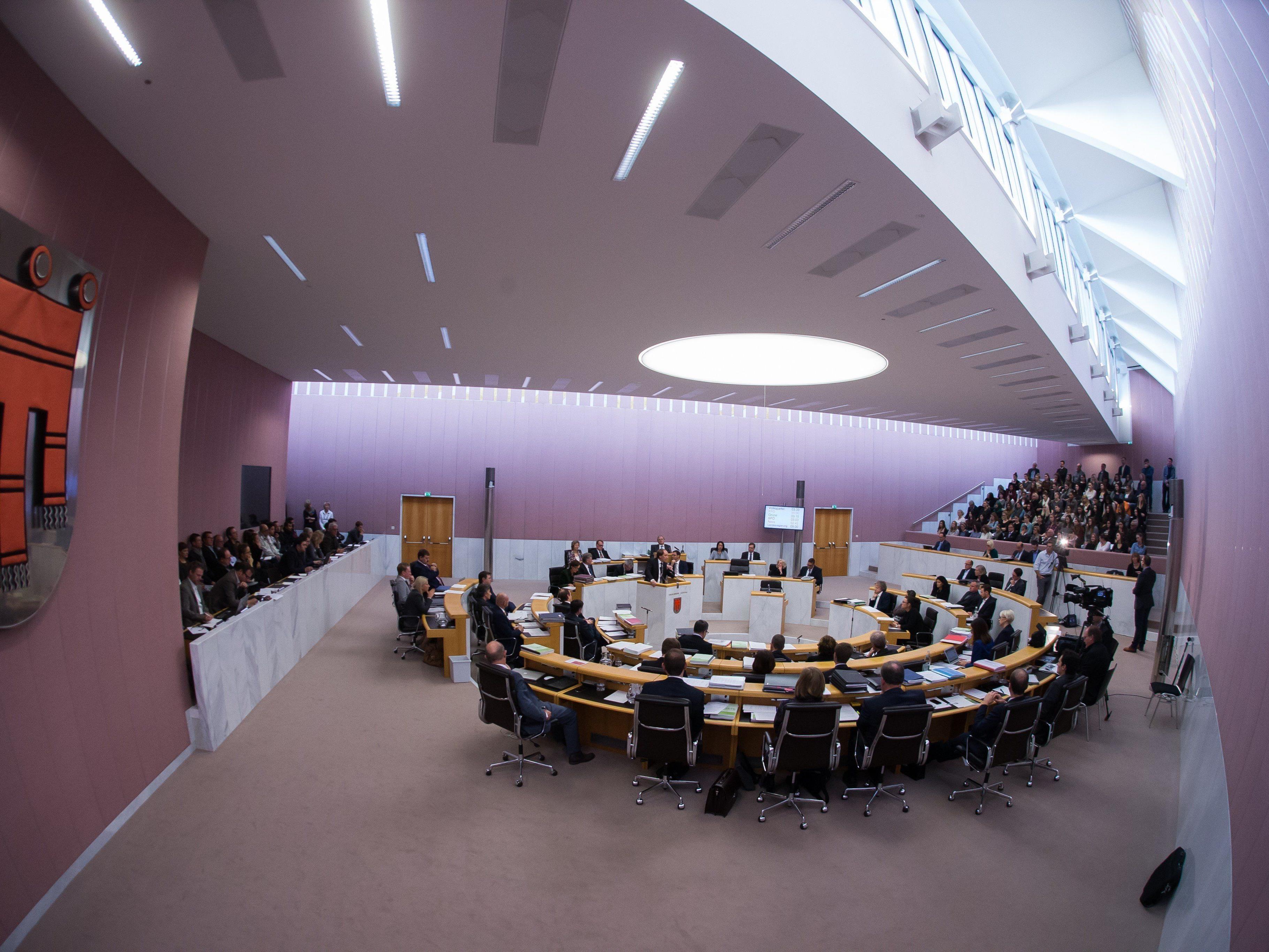 Finanzhaushalt des Landes bestimmt am Mittwoch die Debatte bei der Landtagssitzung.