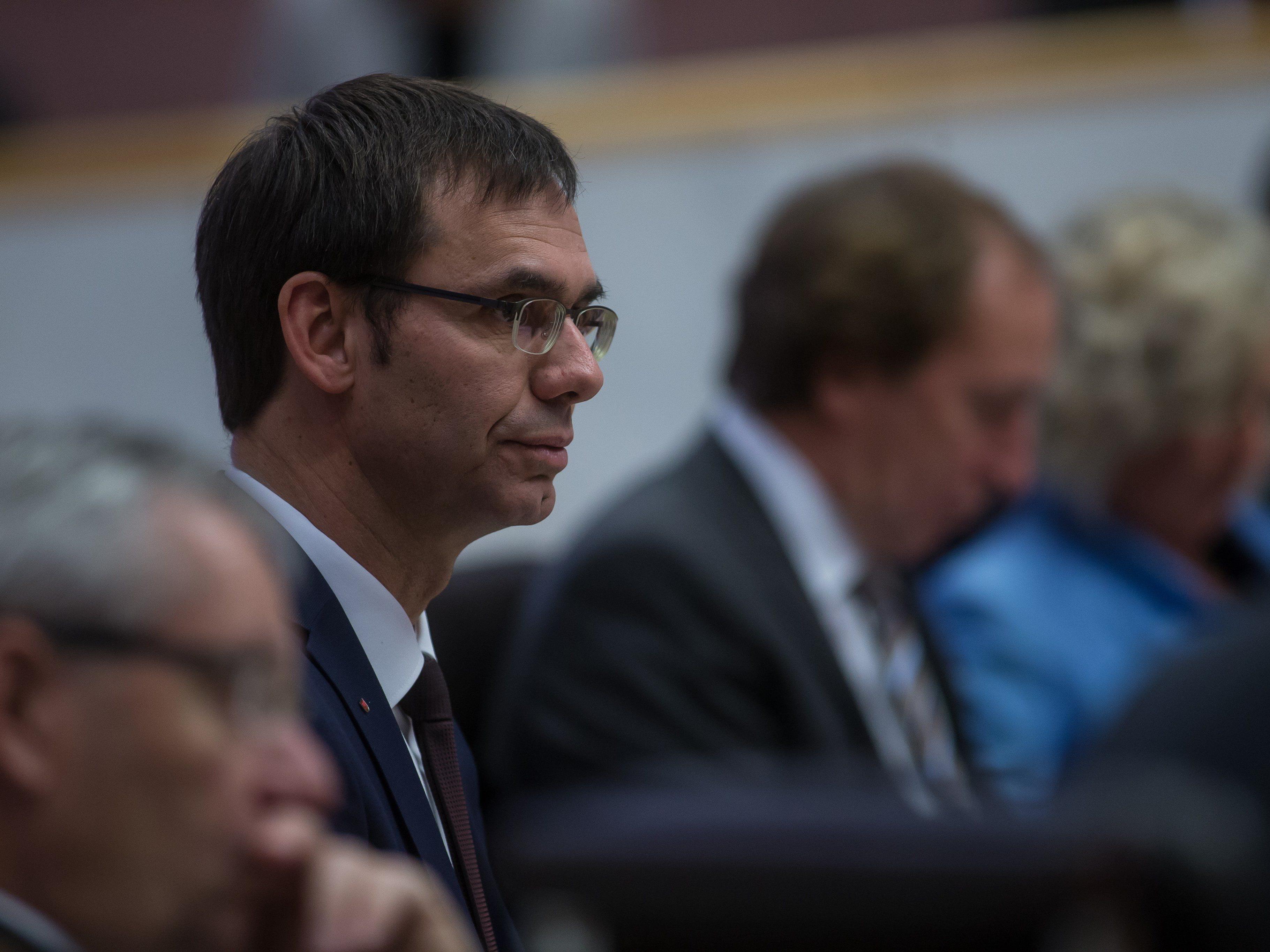 SPÖ, FPÖ, NEOS und Grüne verlangten politische Konsequenzen von den ÖVP-Bürgermeistern.