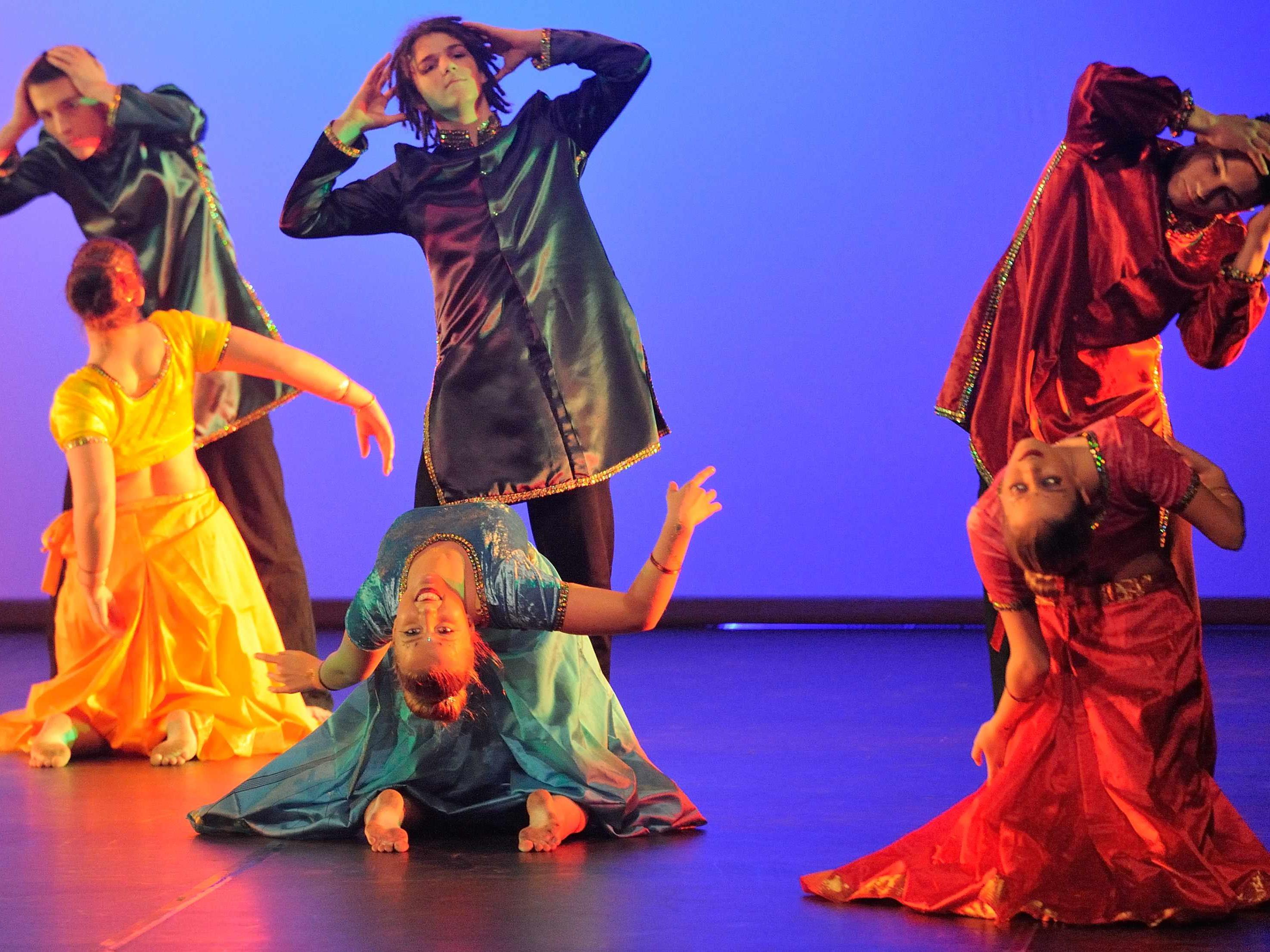 """Tanzperformance """"Narilatha"""" / Ballettschule Monika / OneStepAhead"""