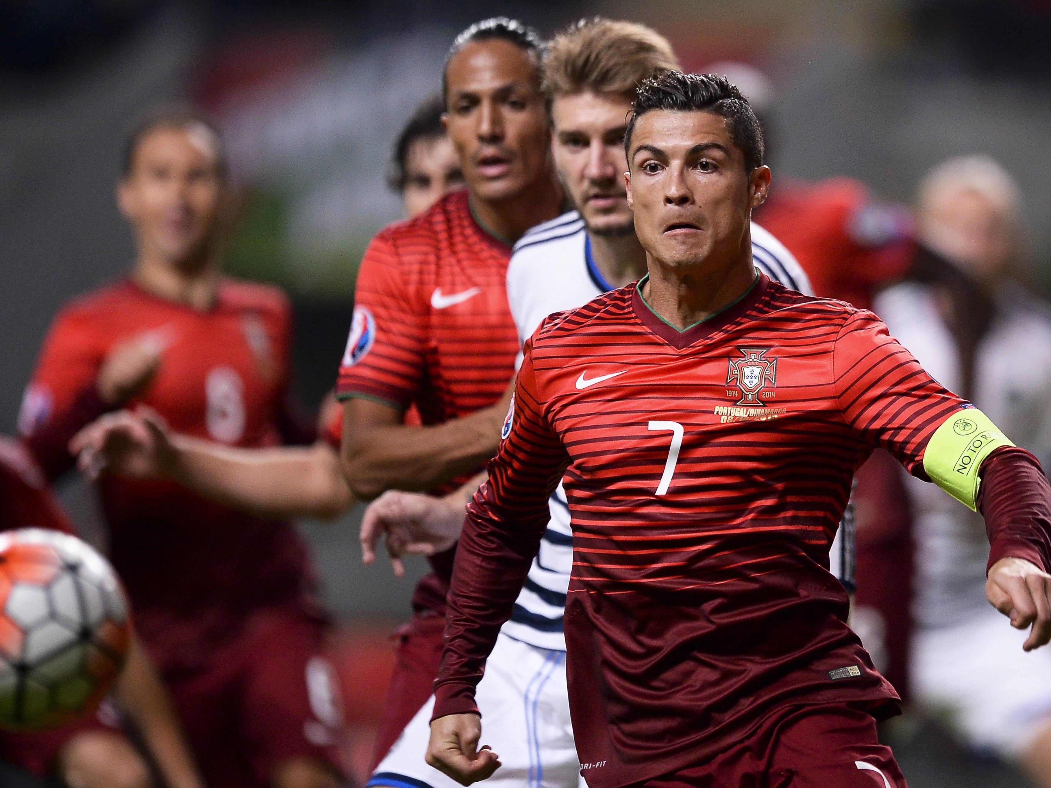 Kapitän, Topscorer, Superstar - Cristiano Ronaldo ist das Um und Auf im portugiesischen Team.