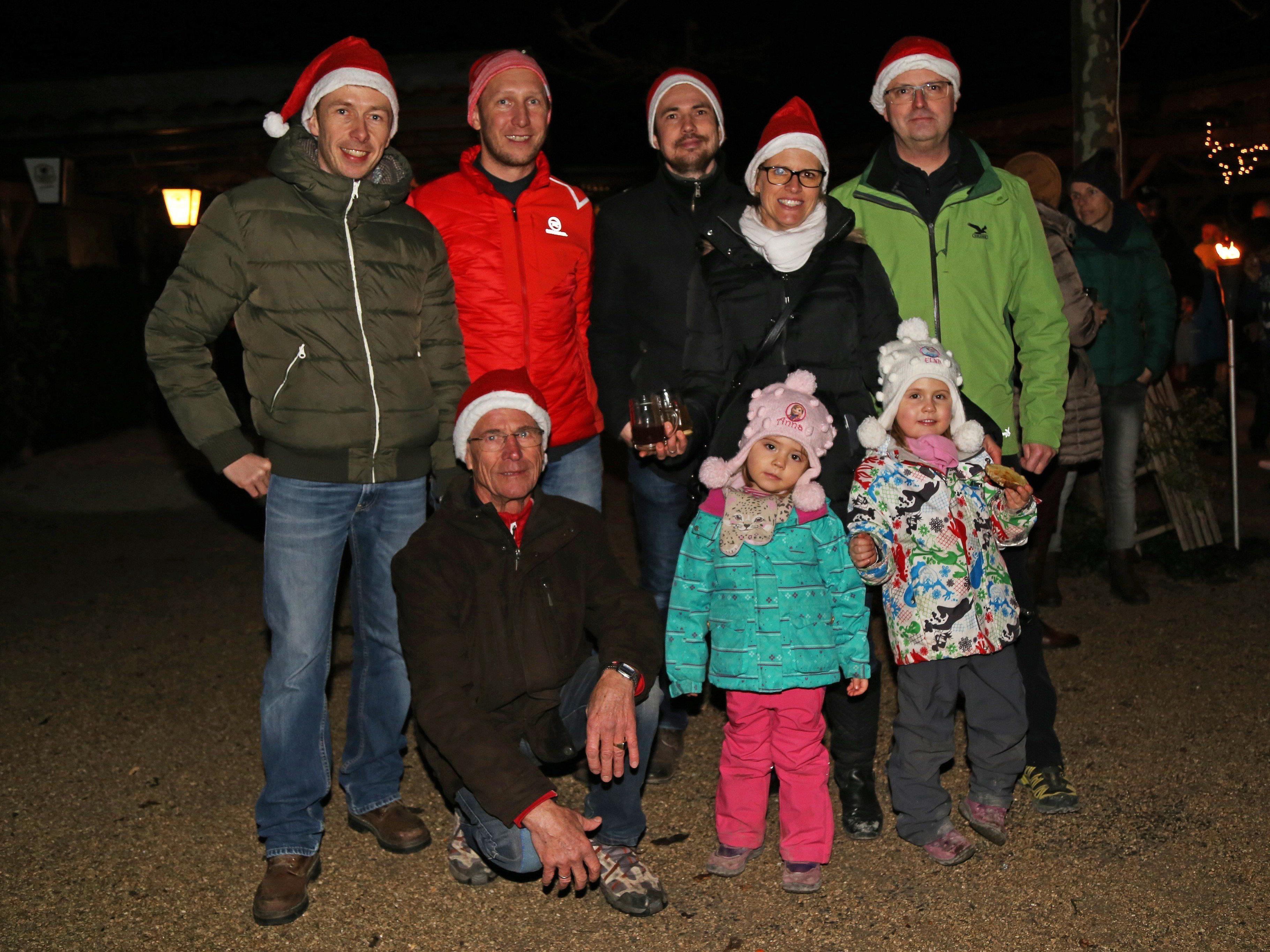 Jedes Jahr organisiert die Familie Lins mit seinen fleißigen Helfern die Nikolausfeier in Bangs.