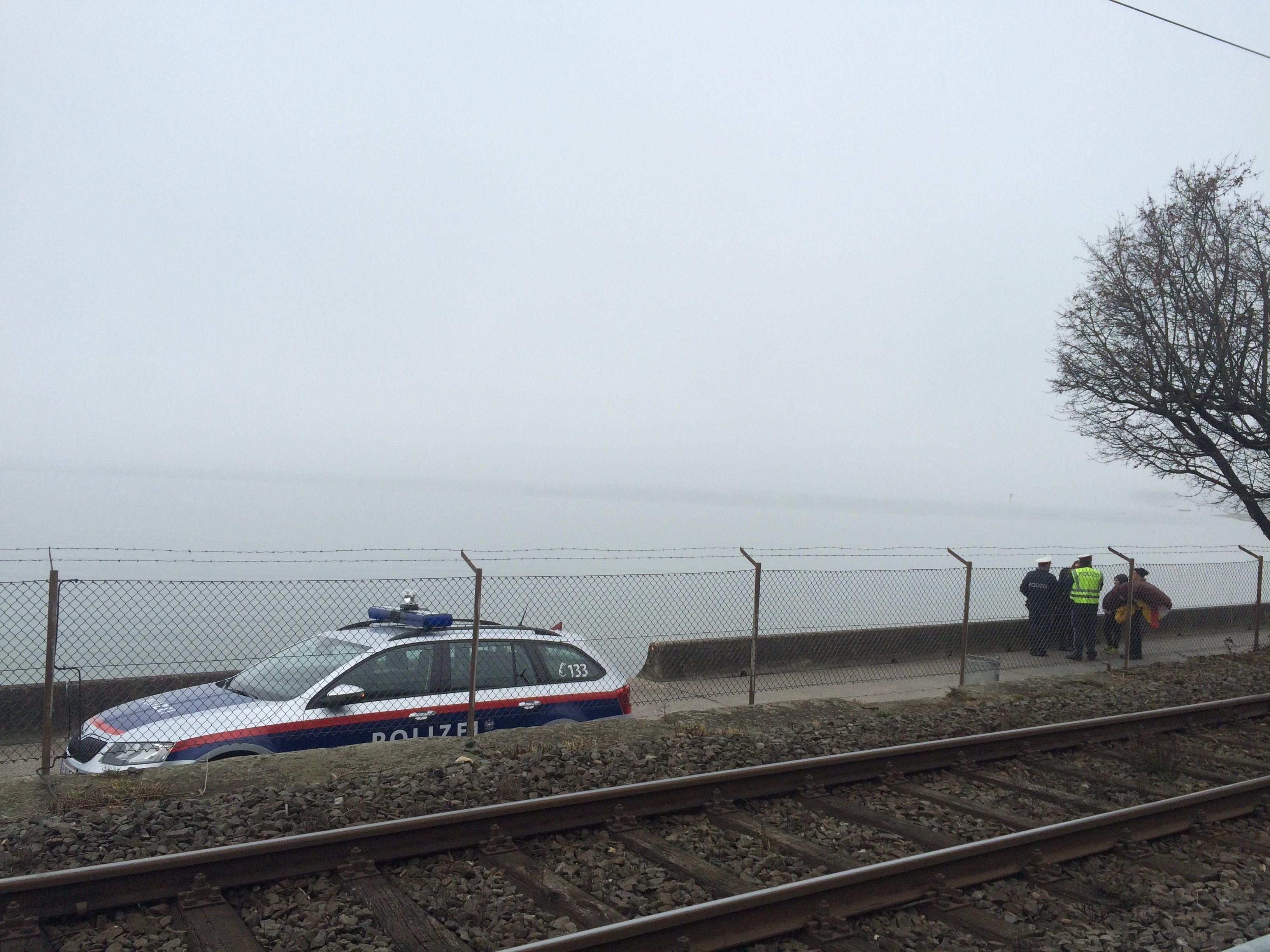 Ein Paragleiter stürzte am Montag in den Bodensee.