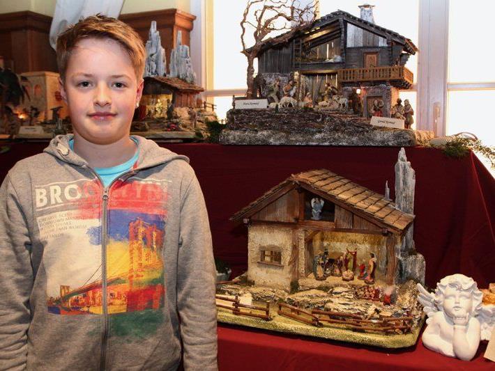 Der 12-jährige Stefan Längle baute heuer eine eigene Krippe im ländlichen Stil.