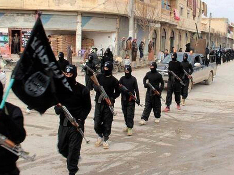 """Aus westlichen Diplomatenkreisen heißt es: """"Wir wissen nicht, in welchen Mengen oder über welche Firmen, aber es ist klar, dass der IS einen Teil seines Öls an die Türkei verkauft."""""""