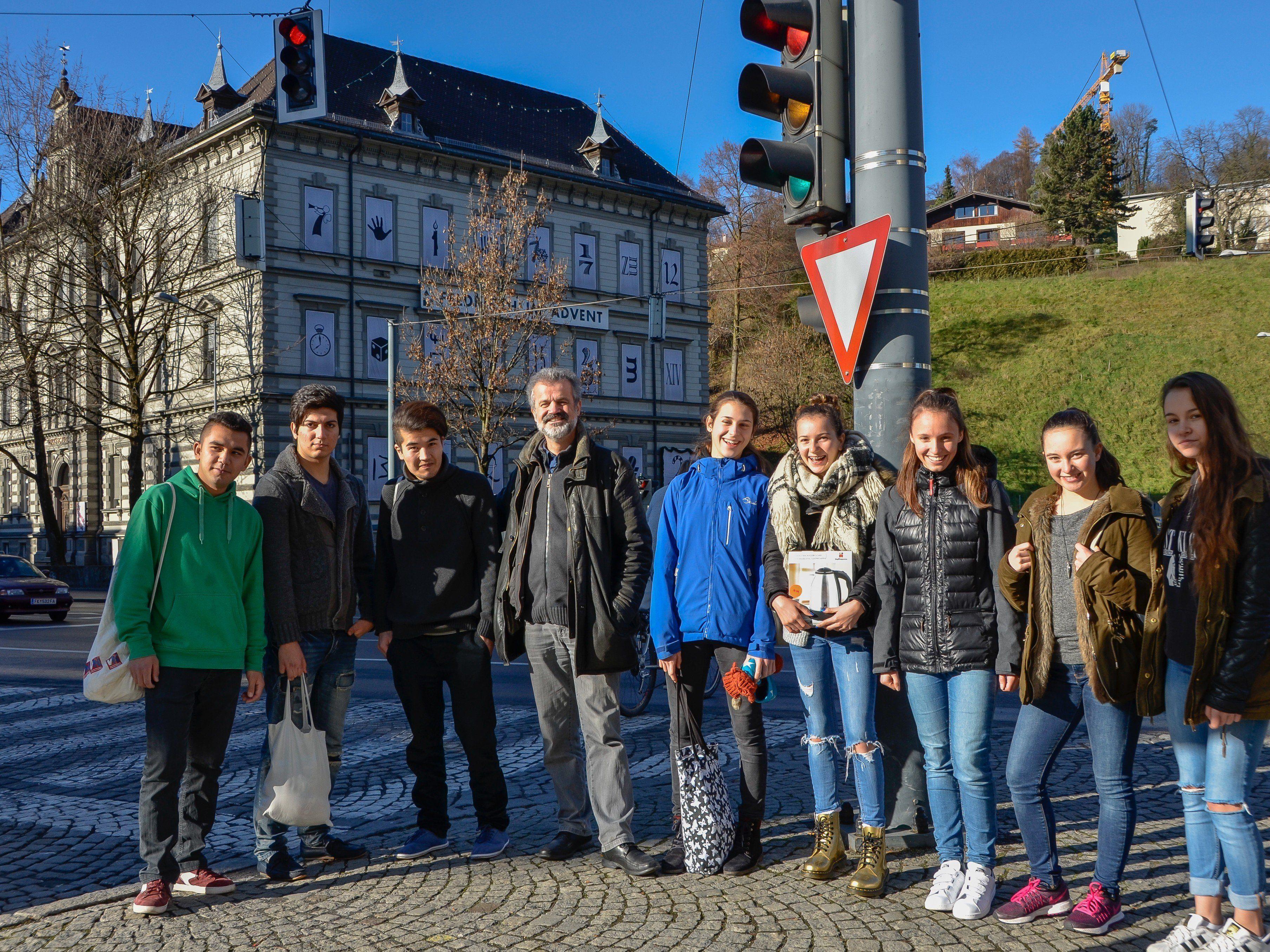 Prof. Kabelka und die Jugendlichen